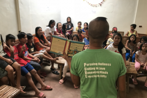 Street+Kids+Ministry-Philippines